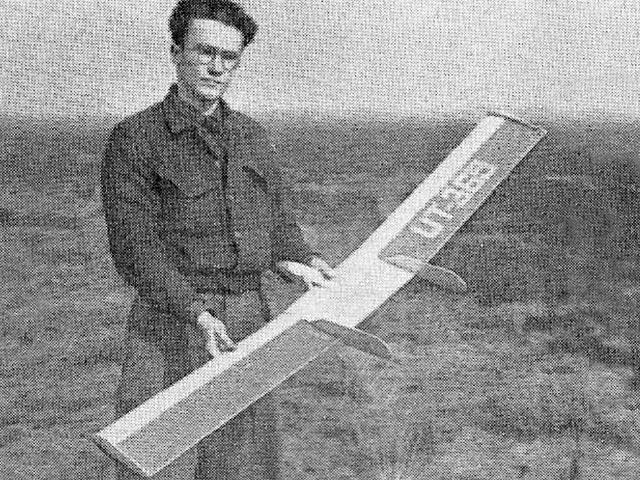 Strijkplank (oz10841) by T Van Teunenbroek from Aeromodeller 1949
