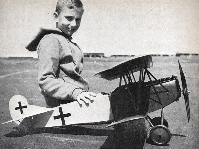 Fokker D-7 - completed model photo