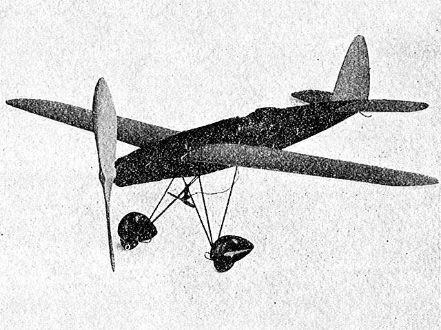 Mid-Wing Pursuit - oz11144