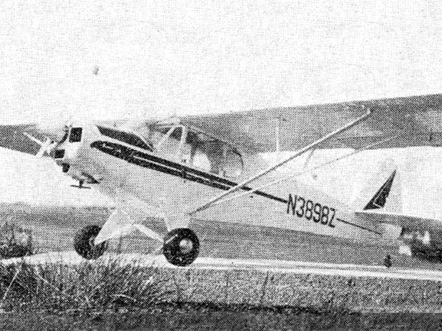 Piper PA-18 Super Cub (oz11402) by Radoslav Cizek from Modelar 1972