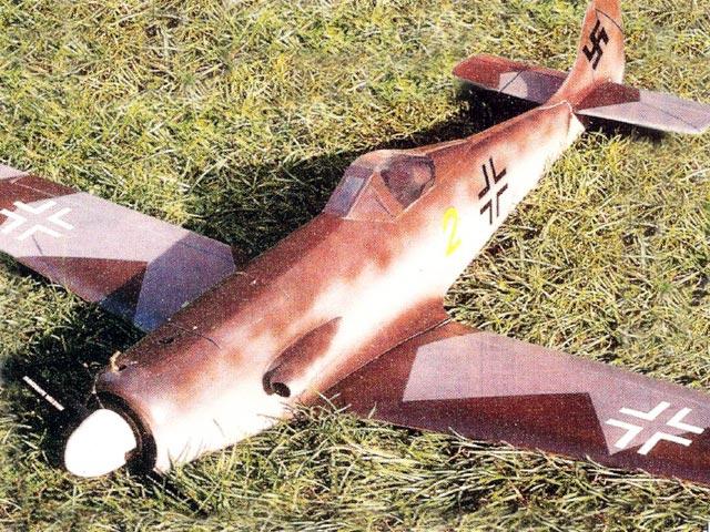 Focke-Wulf Ta 152 (oz12043) by John Rutter from Radio Modeller 1991