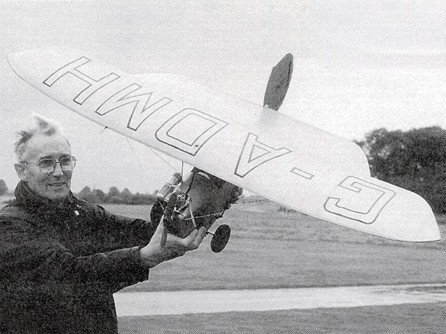 HM-18 Flying Flea (oz12222) by Bob Wright from Radio Modeller 1992