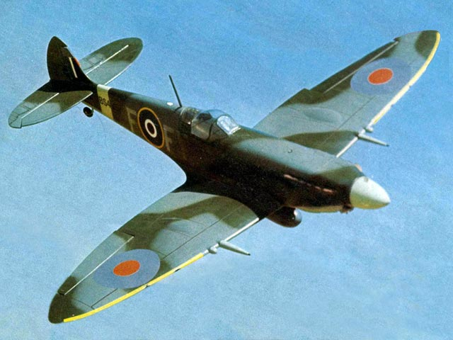 Spitfire (oz12351) by Ian Peacock from RCME 1977