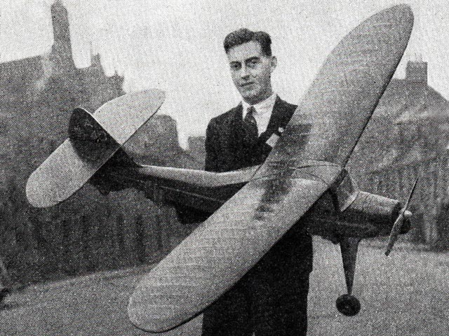 Eros (oz1664) by John Coasby from Aeromodeller 1948