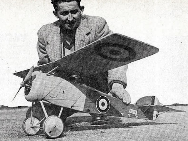 Sopwith Swallow - completed model photo