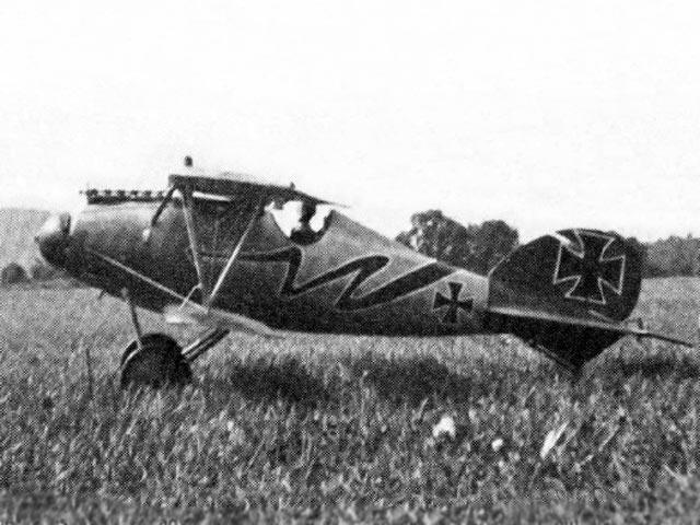 Albatros DV / DVa (oz3341) by Lou Perretti  from Aerotec 1974