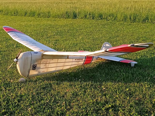 Sunduster (oz3401) by Jerry Brofman from Model Airplane News 1942