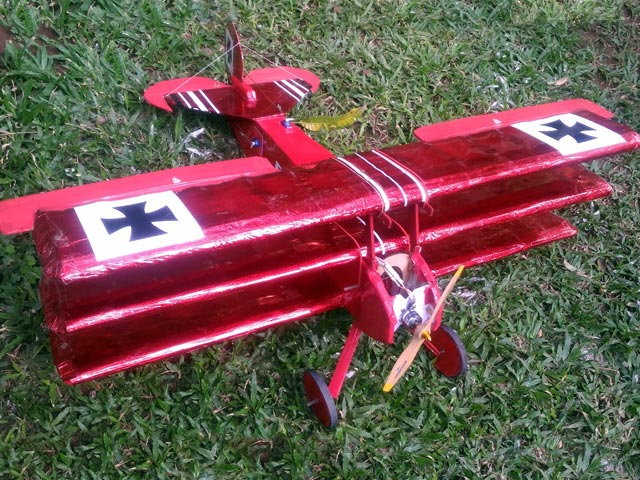 Fokker Dr1 (oz3473) by Lou Perretti from Aerotec 1968