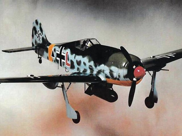 Focke Wulf FW-190 A-8 (oz3832) from Royal Marutaka 1978