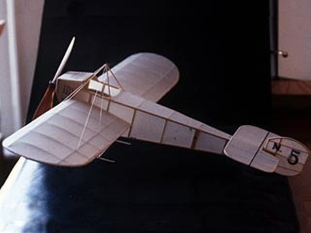 Chiribiri N.5 (oz4116) by Walt Mooney