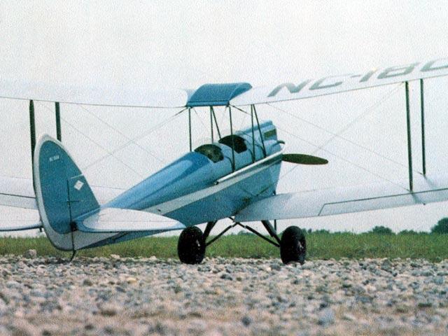 Gipsy Moth (oz4465) by Bill Northrop from Model Builder 1977