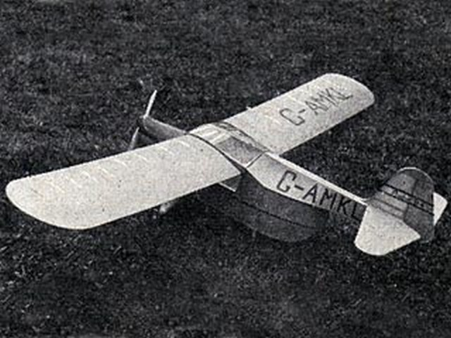 Auster B4 Ambulance - completed model photo