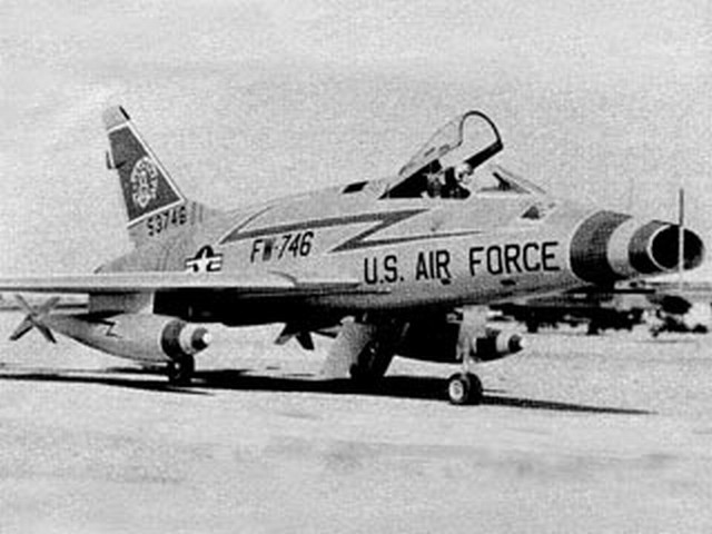 F-100D Super Sabre (oz5940) by Art Johnson from RCMplans 1985