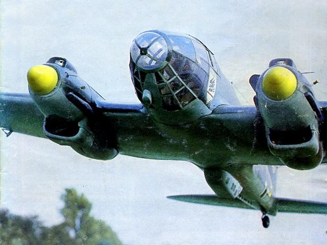 Heinkel He 111 (oz6846) by Chas Maunde from Radio Modeller 1983