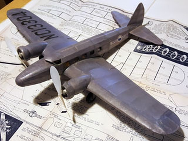 Boeing 247 - completed model photo