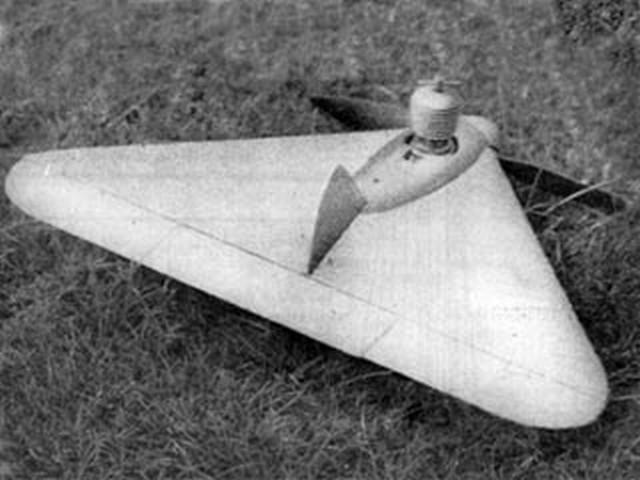 Speedwing (oz7623) by Robert Burns from Aeromodeller 1950