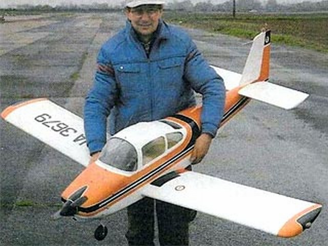 Fuji FA180 Aero Subaru (oz8205) by CJ Murfett from Radio Control Scale Aircraft 1986