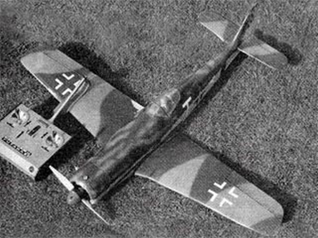 Focke-Wulf Fw 190D (oz8594) by Clive Smalley from Model Aviation 1985
