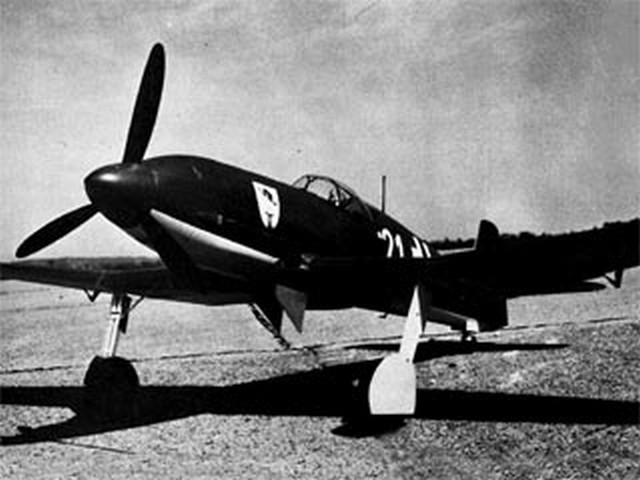 Heinkel He 100 - completed model photo