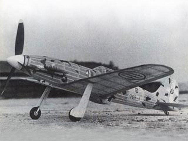 Macchi C-202 Folgore - completed model photo