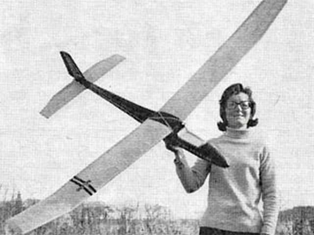 Bolero (oz9166) by WI Barrett from Aeromodeller 1974