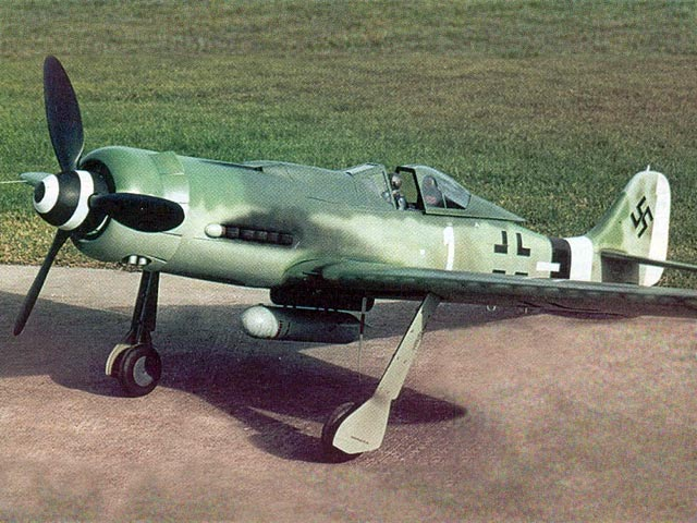 FW190 D-9 (oz9447) by Dave Platt from Pica 1975
