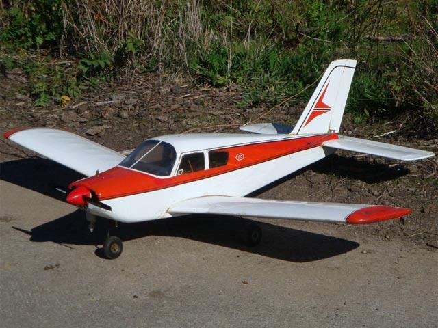 Piper Cherokee C180 - oz2500 - Raul