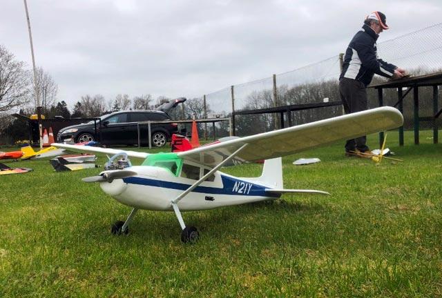 Cessna 180 - oz4984 - Martin Harris