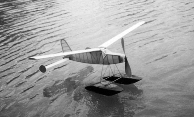 Hobbies Floatplane - oz7602 - MikeWight